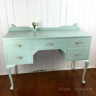 Queen Anne Dresser