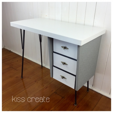Stylish Retro Desk