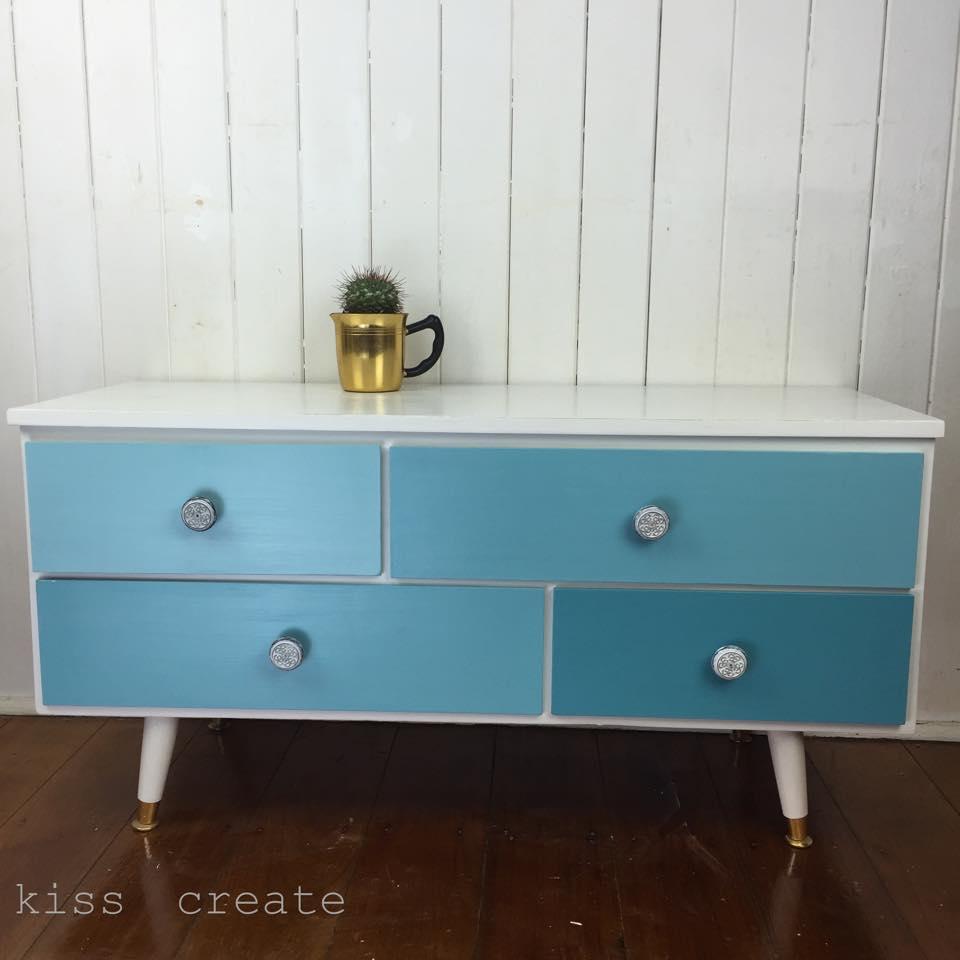 retro-ambrose-blue